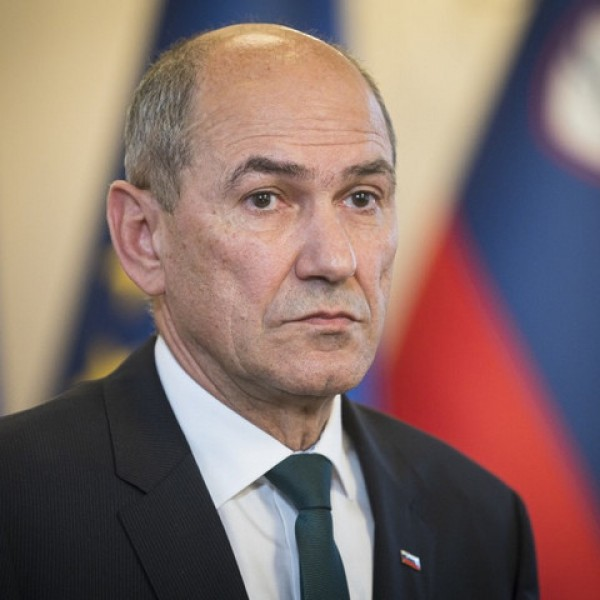Megfenyegették a szlovén miniszterelnököt és miniszterét