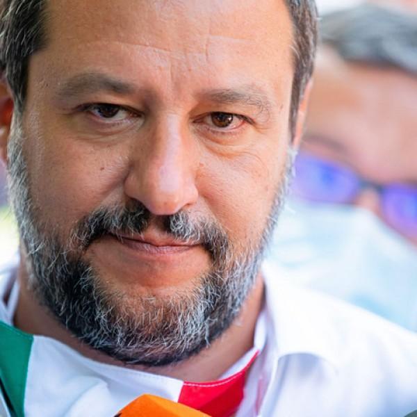 Salvini: Olaszország nem bírja el ennyi migráns érkezését
