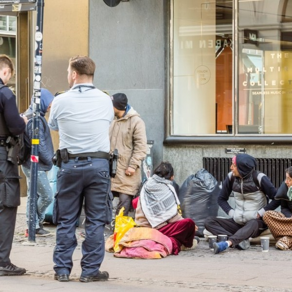Bevadultak a dánok: visszavonják a szírek tartózkodási engedélyét, aki nem akar hazamenni, deportálótáborba kerül