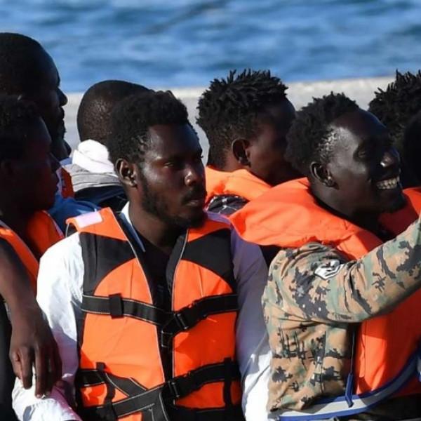 Ügyészi vizsgálat indult egy migránsokat szállító civilszervezet ellen