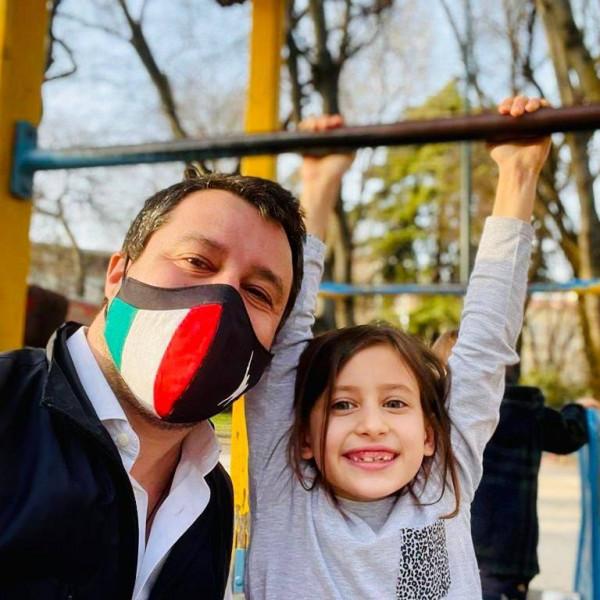 Salvini: Olaszok is oltsanak az orosz vakcinával, kövessük a magyar példát