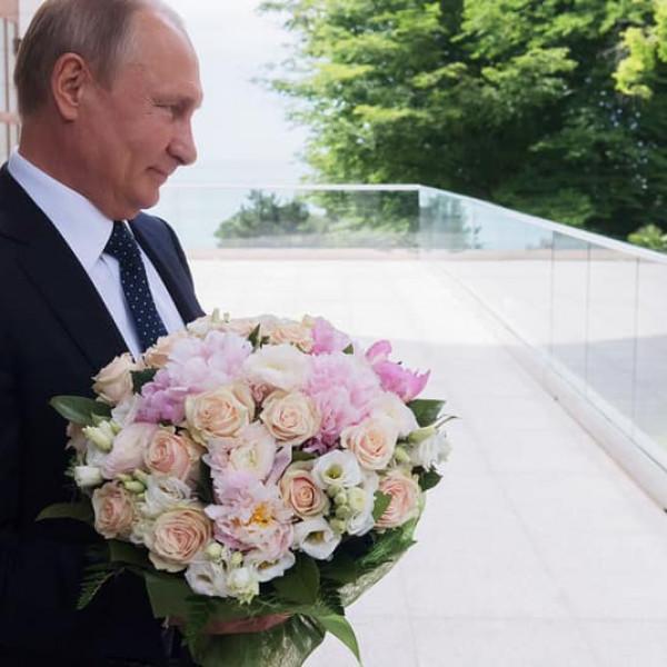 Putyin nőnapi köszöntője