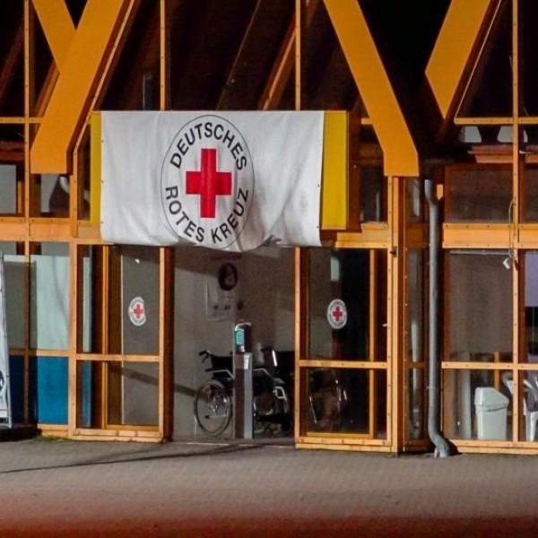 Molotov-koktélokat dobtak egy oltóközpontra Németországban