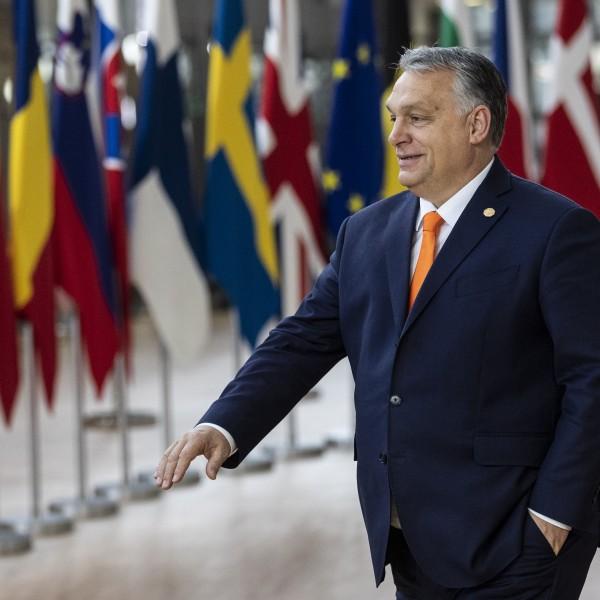 A Frankfurter Allgemeine Zeitung szerint nyugati pénzügyi befektetők támogatják Orbán Viktort