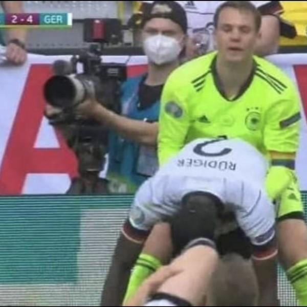 Az UEFA elfogadta, hogy Neuer szivárványos csapatkapitányi karszalagot visel az Eb-n