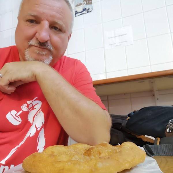 """Komjáthi Imre: """"Nem kalácsot kértünk: kenyeret, esélyt"""""""