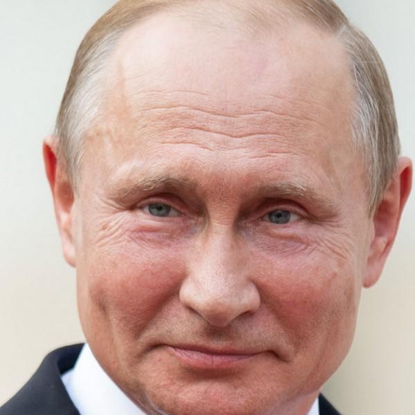 Maga Vlagyimir Putyin adott orosz állampolgárságot Natalia Oreirónak