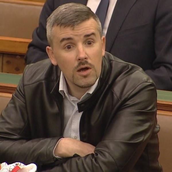 Jakab: a Fideszt lábbal lehet megverni