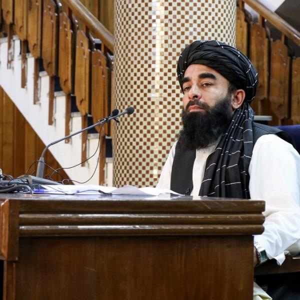 Elismerte a tálib miniszter: Kína pénzt öntene Afganisztánba az amerikaiak kivonulása után