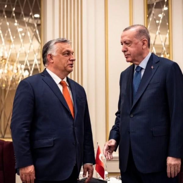 Orbán Viktor Erdogannal tárgyalt Brüsszelben