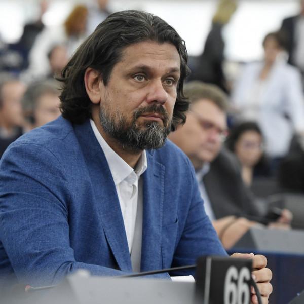 Nyugat-Európából irigykedve nézik a magyar médiahelyzetet - véli Deutsch Tamás