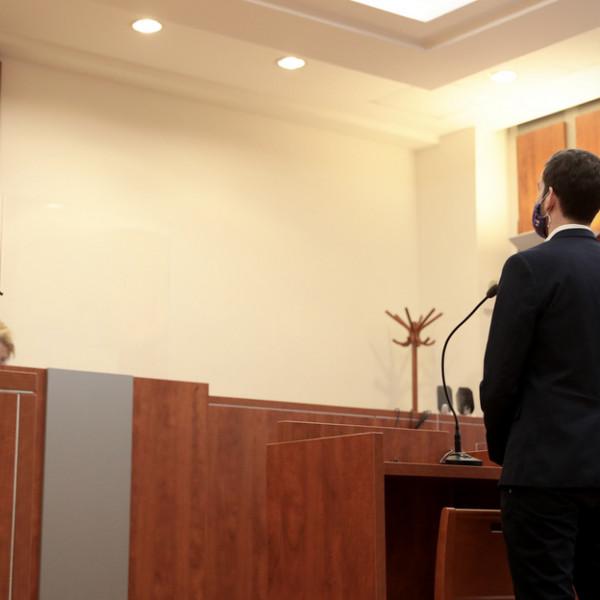 FeGyőr a tegnapi tárgyalásán is Orbánozott volna, de a bírónő nem hagyta - Videó