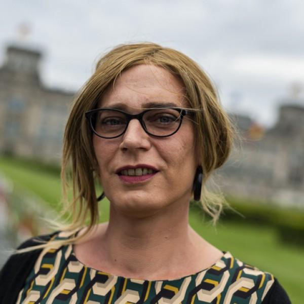Megválasztották a Bundestag első transznemű képviselőit