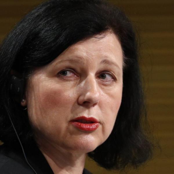 Vera Jourova beteg demokráciának nevezte Magyarországot
