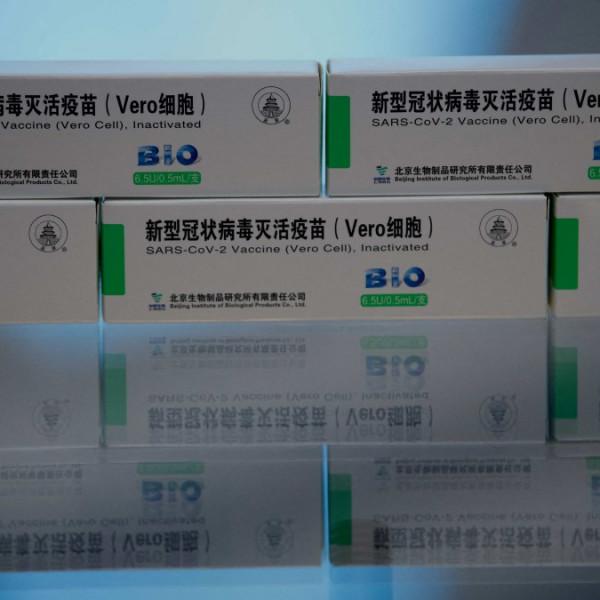 Kínai vakcina vásárlásáról egyeztetett a lengyel elnök Hszi Csin-pinggel