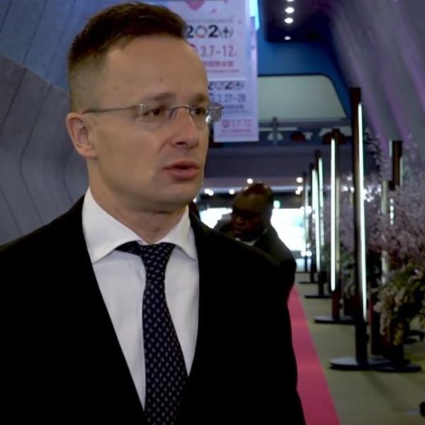 Szijjártó: Brüsszel nem megfelelően lép fel az illegális migráció és a drogfogyasztás ellen
