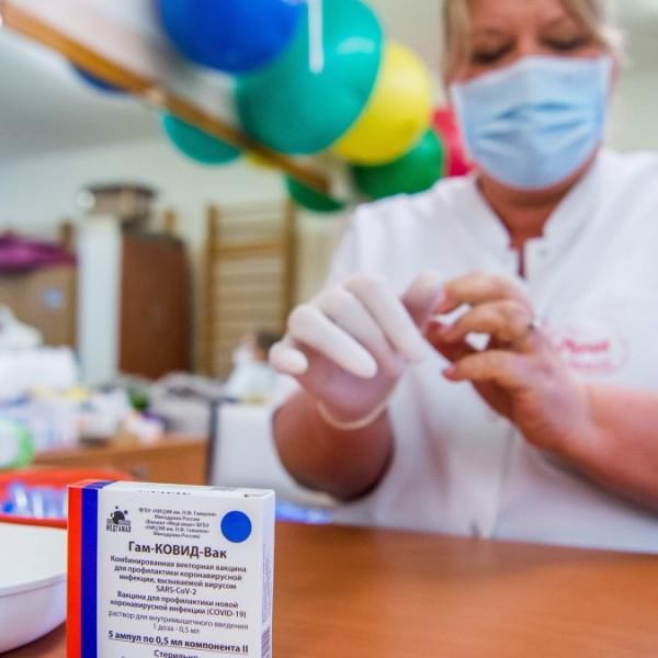 Fordulat: Oroszországba utaznak a németek vakcinákért