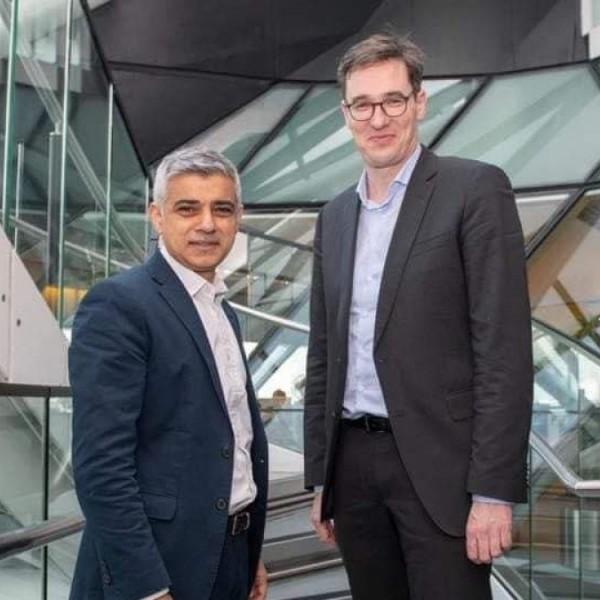 """Kamu Geri: Sadiq Khan """"élhetővé"""" tette Londont, és hasonlóra törekedik Budapest is"""
