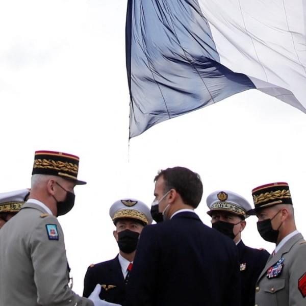 """""""A haza túlélése a tét"""" – Újabb felhívást címeztek Macronnak francia katonák"""