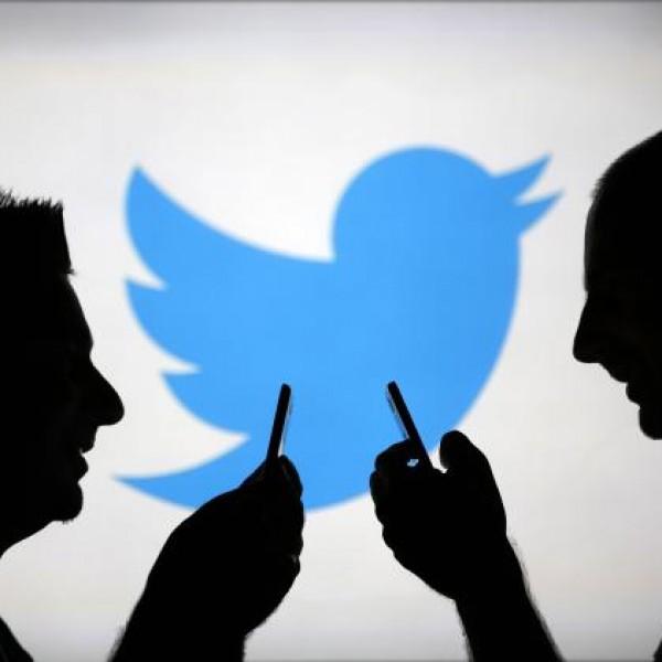 A Facebook után a Twitterrel is együttműködik az AP és a Reuters