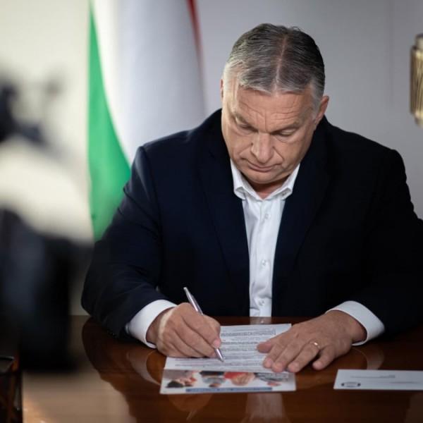 Orbán Viktor üzent: Én már kitöltöttem