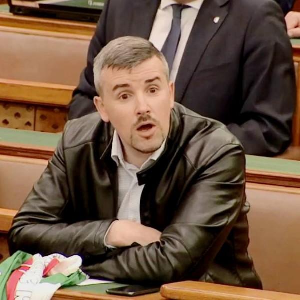 Jakab szerint, tegnap 3 ezer komcsival megszületett a nemzeti egység
