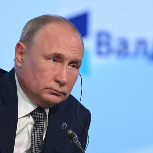 """Putyin szerint a genderőrület az """"emberiesség elleni bűncselekmény határán van"""""""