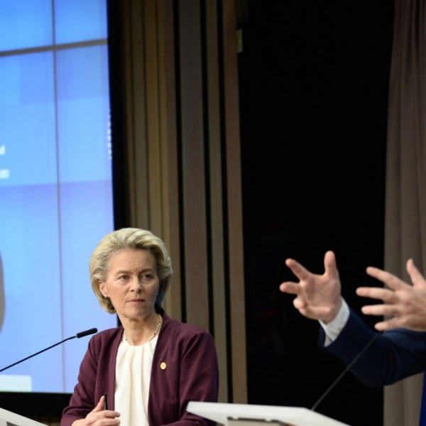 Von der Leyen: az EU nem ad pénzt szögesdrótra és falakra