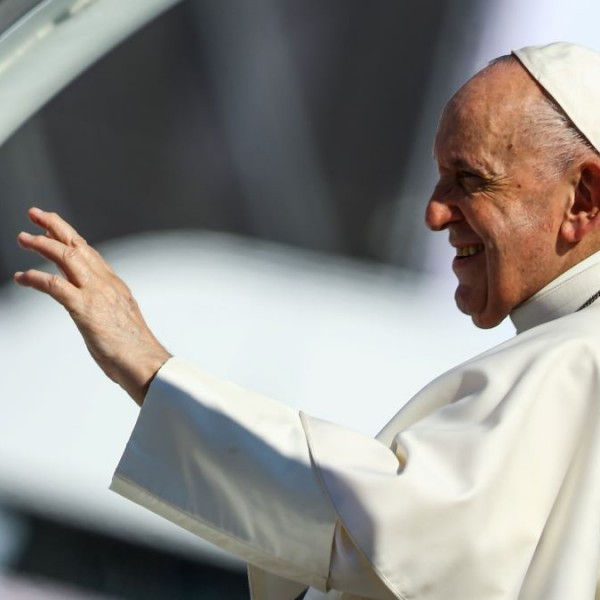 Ferenc pápa: A nemzetközi közösség ne küldje vissza a migránsokat nem biztonságos országokba!