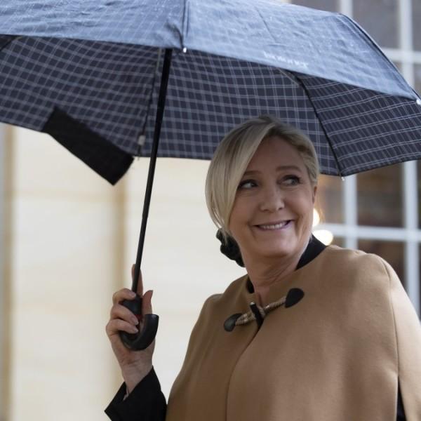 Times: Európa populistáit egyesítené a bukdácsoló Marine Le Pen