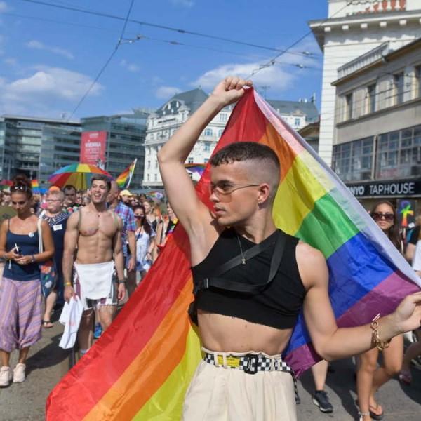 """""""A kormány borzasztó hatással lesz a meleg gyerekekre"""" - üzente a Pride-on megtámadott homoszexuális spanyol férfi"""