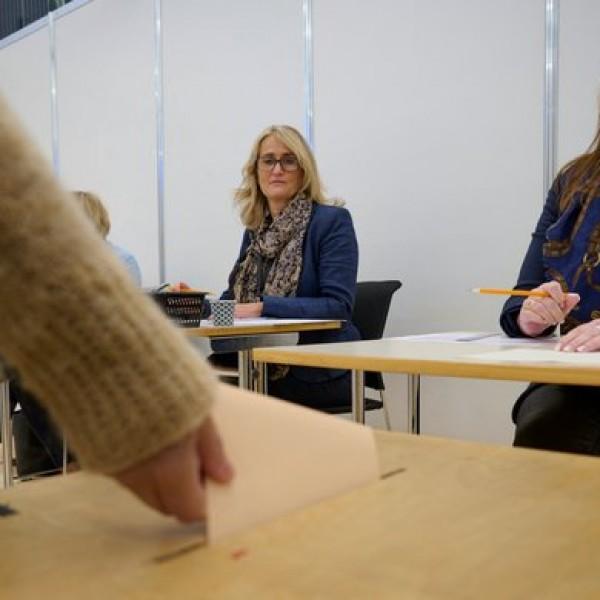 Izland az első európai ország, ahol női többség van a parlamentben