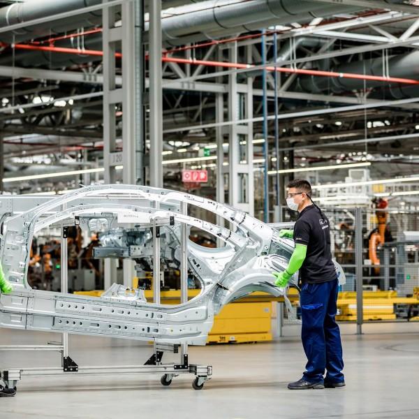 Három hétre leáll a termelés a kecskeméti Mercedes-gyárban