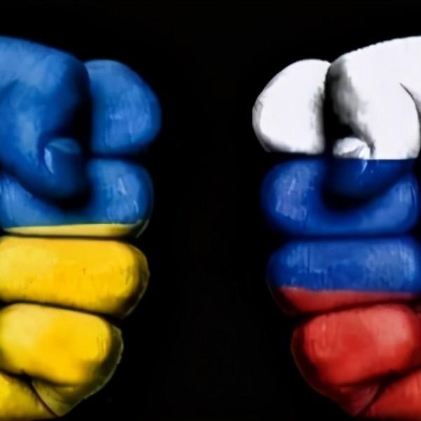 Kreml – A NATO puskaporos hordóvá változtatja Ukrajnát