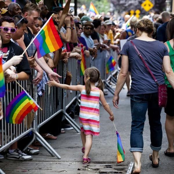 https://www.vadhajtasok.hu/2021/06/10/hatalmas-sikitas-van-megleptek-orbanek-18-ev-alattiaknak-tilos-a-homoszexualitast-reklamozni