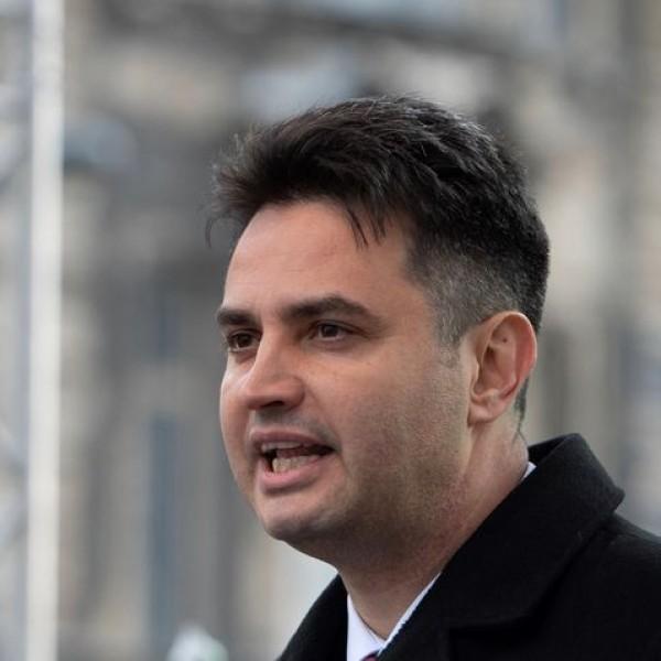 Márki-Zay az Euronews-nak: Orbán egy hazaáruló