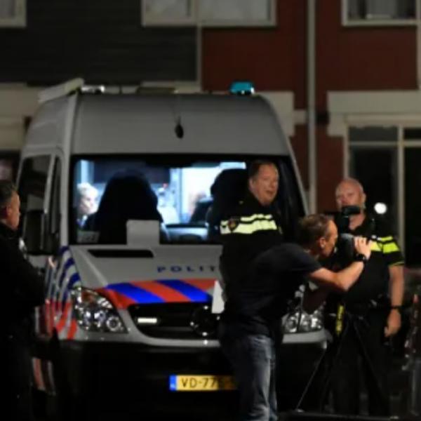 Agyonszurkálták egymást a migránsok egy holland menekülttáborban - Fotók (18+)