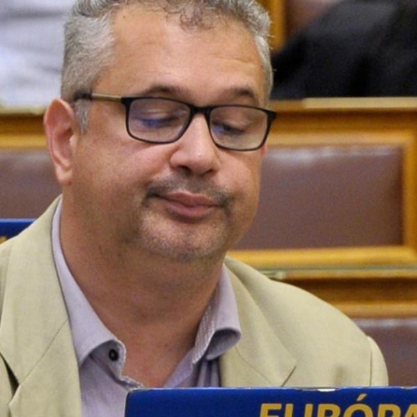 Arató Gergely: A kormánynak csak az a fontos, hogy Brüszelezhessen