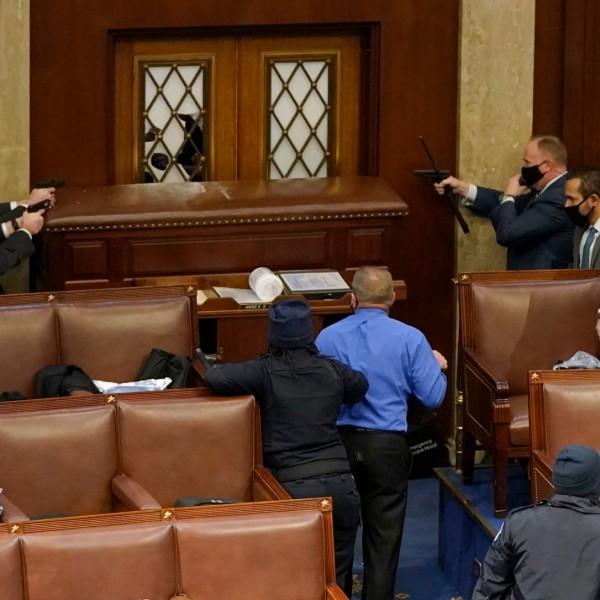 A Capitoliumot védő rendőrök közül már négyen lettek öngyilkosok