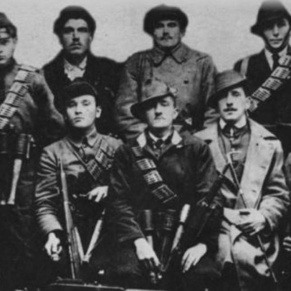102 éve jött létre a Rongyos Gárda