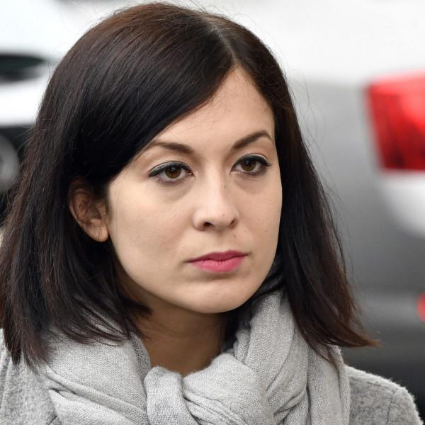 Cseh Katalin: Örülök Gulácsi bejegyzésének