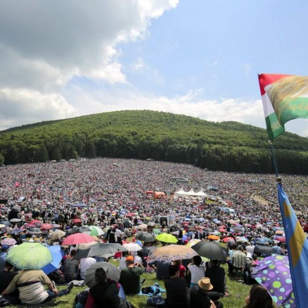 A román kormány engedélyezte a csíksomlyói búcsú megtartását
