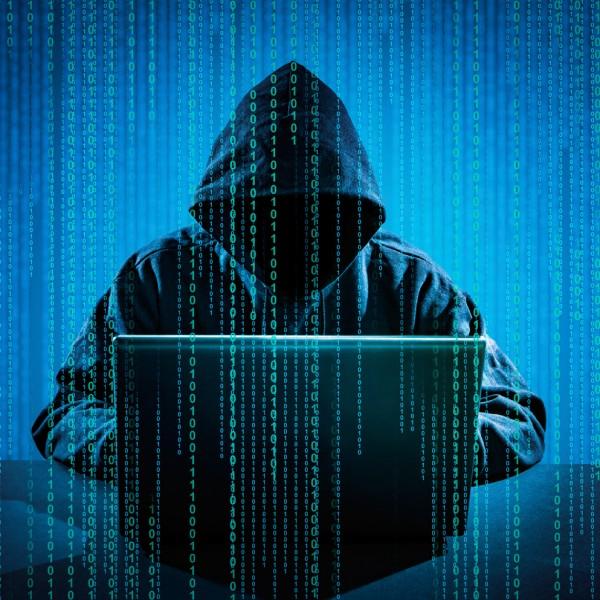 A lengyelek megunták: Kiberbűnözés elleni, 1800 fős szuperirodát hoznak létre