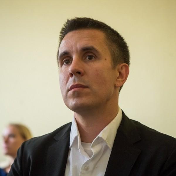 Csütörtökön újra bíróság elé áll Czeglédy Csaba