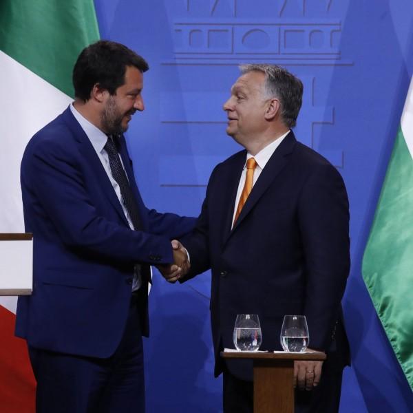 Orbán Viktor gratulált Salvininek a bírósági győzelemhez