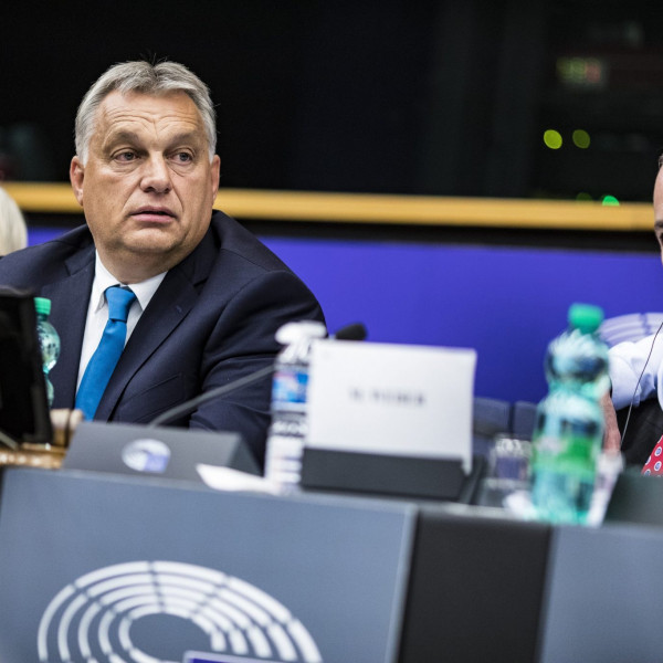"""""""Nem engedjük, hogy Orbán zsaroljon minket"""" – reagált a magyar miniszterelnök levelére egy néppárti képviselő"""