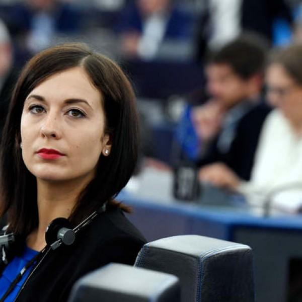 Nem érdekli Cseh Katalinék botránya az uniós forrásokért aggódó nyugati sajtót