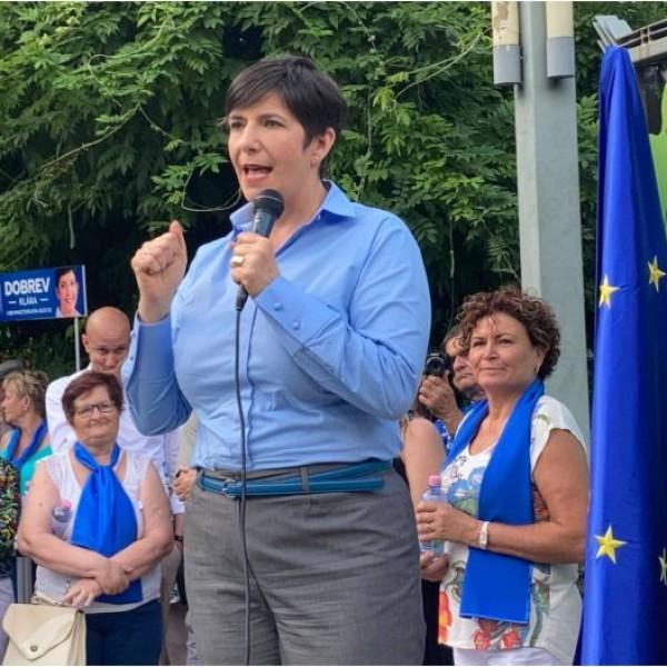 Dobrev Klára: Az, hogy Románia előbb vezetheti be az eurót, szégyen