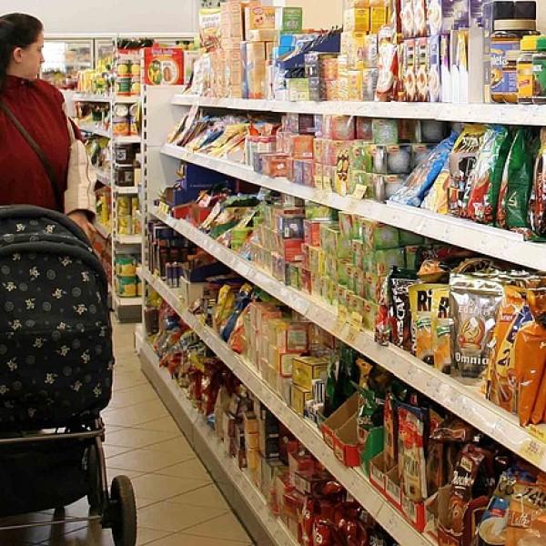 Keleten a helyzet változatlan: jóval gyengébb minőségű élelmiszereket árulnak a multik Budapesten, mint nyugaton