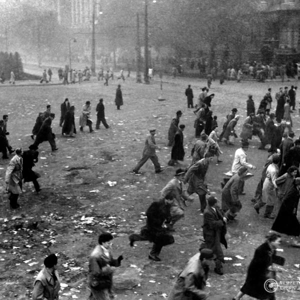 Véres csütörtök: a nap, amikor vér folyt a Kossuth téren
